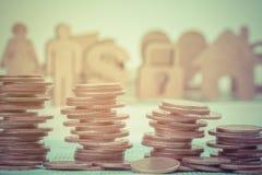 Slut upp av radmynt för finans Arkivbild