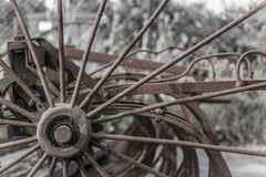 Slut upp av rostigt gammalt lantgårdmaskineri Royaltyfri Foto