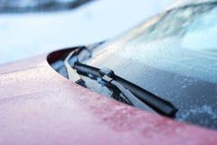 Slut upp av torkare för bilvindrutaregn Arkivfoton