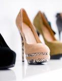 Slut upp av uppsättningen av skodon royaltyfria bilder