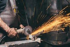 Slut upp den industriella molar Metal Grinder Royaltyfria Foton