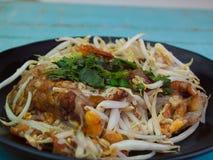 Slut upp den thailändska frasiga musslan och Beansprout royaltyfria bilder