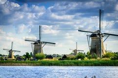 Slut upp för Kinderdijk väderkvarnar Fotografering för Bildbyråer
