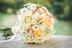 Slut upp fotoet av en bröllopbukett Royaltyfri Foto