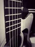 Slut upp gitarren arkivfoto