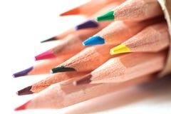 Slut upp huvudet av färgblyertspennan på teckningspapper, idérik Royaltyfri Foto