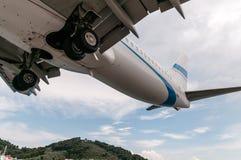 Slut upp landning, Skiathos, Grekland royaltyfria foton
