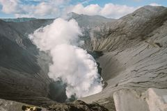 Slut upp Mt bromoindonesia vulkan arkivbild