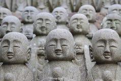Slut upp munkstatyn Arkivbilder