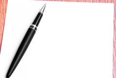Slut upp Pen And Blank Paper For handstilanmärkningar Royaltyfri Fotografi