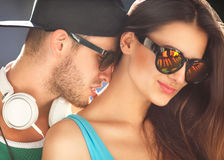 Slut upp ståenden av förälskade lyckliga le par Royaltyfria Foton