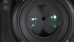 Slutare av kameranärbilden arkivfilmer