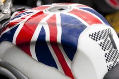 Slutet av en motorcykel tankar upp Royaltyfri Fotografi
