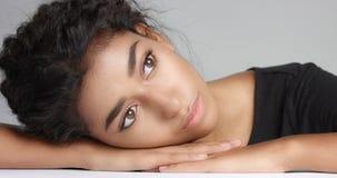 naken bilder av unga tonårs flickor