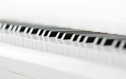 Slutet sköt upp av pianotangentbordet Arkivfoto