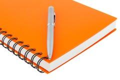 Slutet upp anteckningsbokspiral - begränsa och skriva på vit bakgrund Royaltyfria Bilder