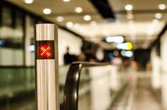 Slutet upp av annulleringstecknet av travelatoren Fotografering för Bildbyråer