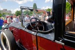 Slutet upp av den Packard singeln åtta 143 - lagerföra bilden Royaltyfri Fotografi