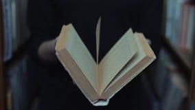 Slutet upp siktsflickor stänger bakgrunden för boktappningarkivet arkivfilmer