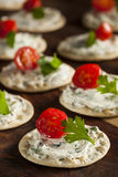 Smällare och ost Hors D'oeuvres Arkivbilder