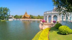 Smällen PA-i Royal Palace, också som är bekant som sommarslotten, är en palacecomplex som används förr av de thailändska konungar Arkivbild