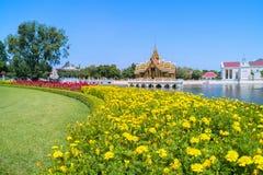 Smällen PA-i Royal Palace, också som är bekant som sommarslotten, är en palacecomplex som används förr av de thailändska konungar Arkivbilder
