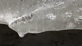 Smältande extremt slut för is upp arkivfilmer