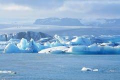 Smältande isberg på den Jokulsarlon lagun, Island Royaltyfri Foto
