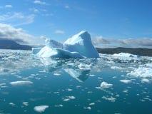 smältning för kustgreenland isberg Arkivfoto