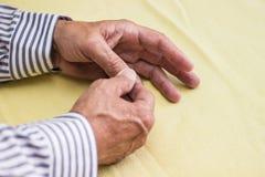 Smärta i finger Royaltyfri Foto