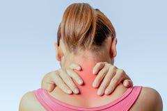 Smärta på den cervikala ryggen arkivbilder