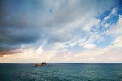 Små öar i Adriatiskt havet, Montenegro royaltyfri fotografi