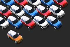Små bilar i den nya billotten, KORTKORT Royaltyfri Foto