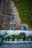 Små blomkrukor på Zakynthos, Grekland Royaltyfria Foton