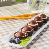 Små chokolatekakor Royaltyfria Bilder