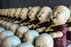 Små dockor för buddistisk munk royaltyfri fotografi
