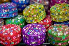 Små gåva- eller juvelaskar i Dubai Fotografering för Bildbyråer