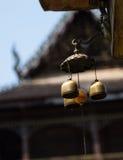 Små klockor i templet, Thailand Arkivbilder