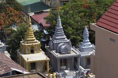 Små tempel i Phnom Phen Arkivfoto