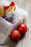 Små trädleksaker för nytt år i asken Royaltyfri Fotografi