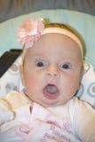 Småbarnet på en gunga Arkivfoton