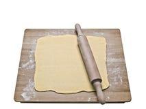 Smördegdeg på bakningbräde Royaltyfri Foto