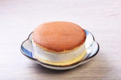 Smörgås för romrussinglass royaltyfria bilder