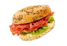 Smörgås för salamiskinkabagel Royaltyfri Fotografi