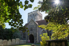 SMÖRGÅS KENT/UK - SEPTEMBER 29: St Clement Parish Church, gra Arkivbilder