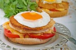 Smörgås med ägget Royaltyfria Foton