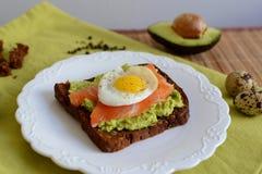 Smörgås med avokadot Royaltyfri Fotografi