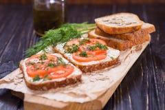 Smörgås med tomater Arkivbilder