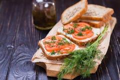 Smörgås med tomater Arkivfoton