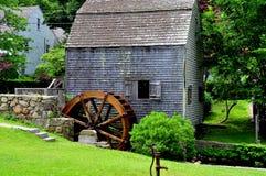Smörgås MOR: Dexter Grist Mill 1637 royaltyfri fotografi